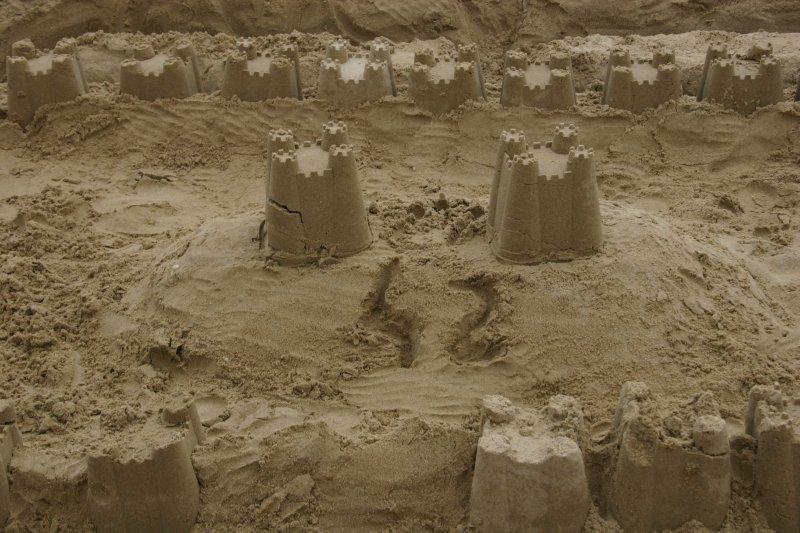 Chateau de sable orné d'un 42