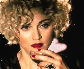 Photo de 'Breathless Mahoney', jouée par Madonna en vamp' totalement fatale